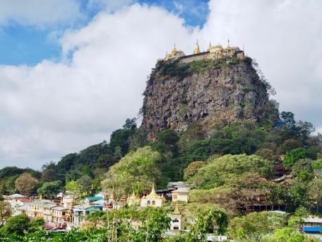 Mount Popa, Popa Taungkalat Monastery